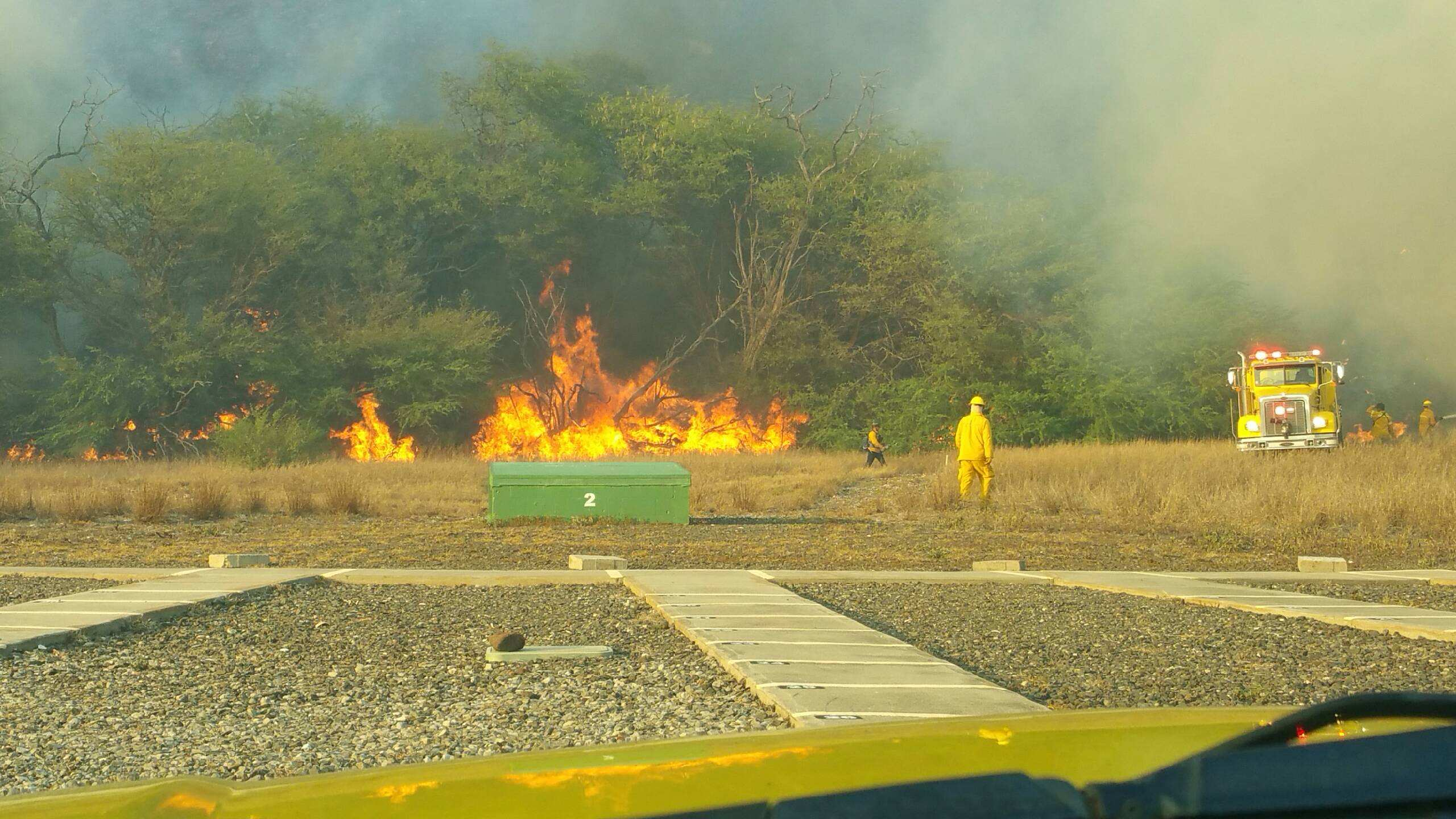 7-9 MAUI BRUSH FIRE COURTESY MAUI FIRE DEPT 2_165669