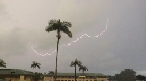 lightning-hawaii-island-sept-14_175325