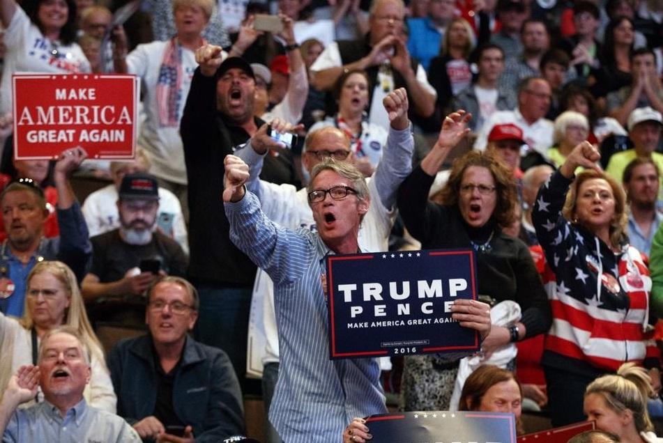 trump-supporters-cincinnati_180327