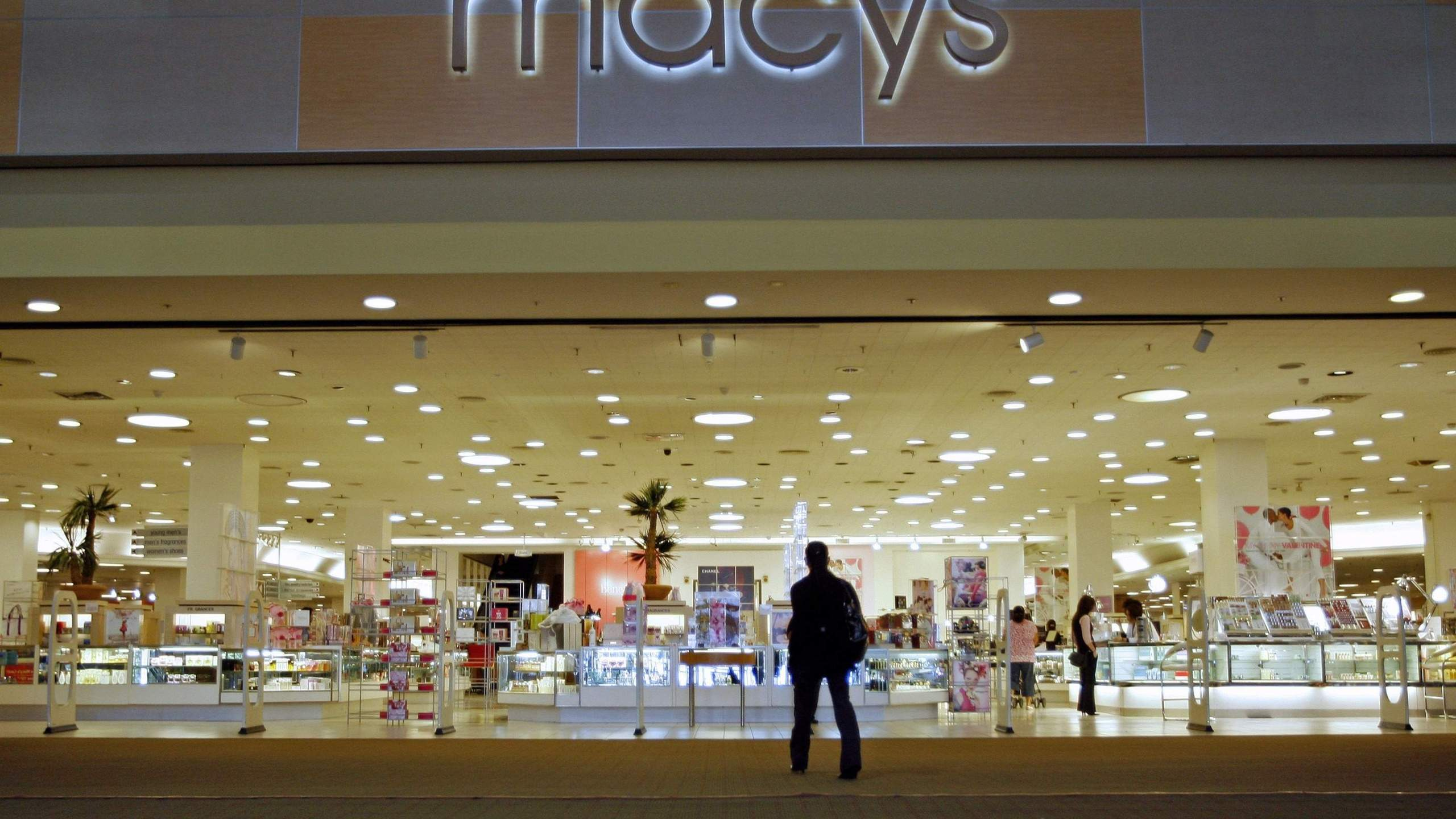 macys-storefront_196026
