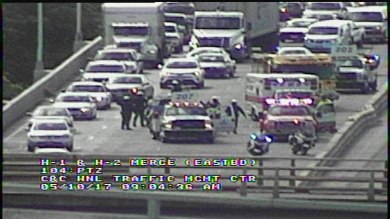 h-1 traffic accident_208944