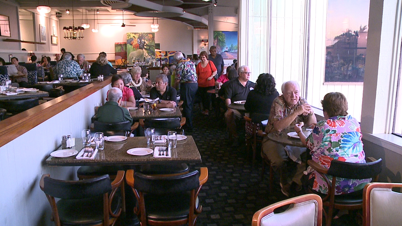 Customers Say Goodbye To Kincaid S Restaurant In Ward Warehouse
