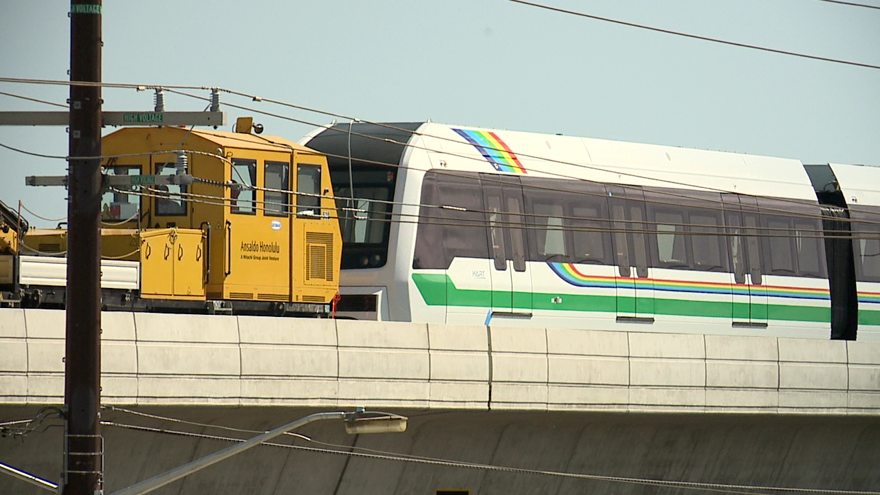 honolulu rail transit test car hart_212331