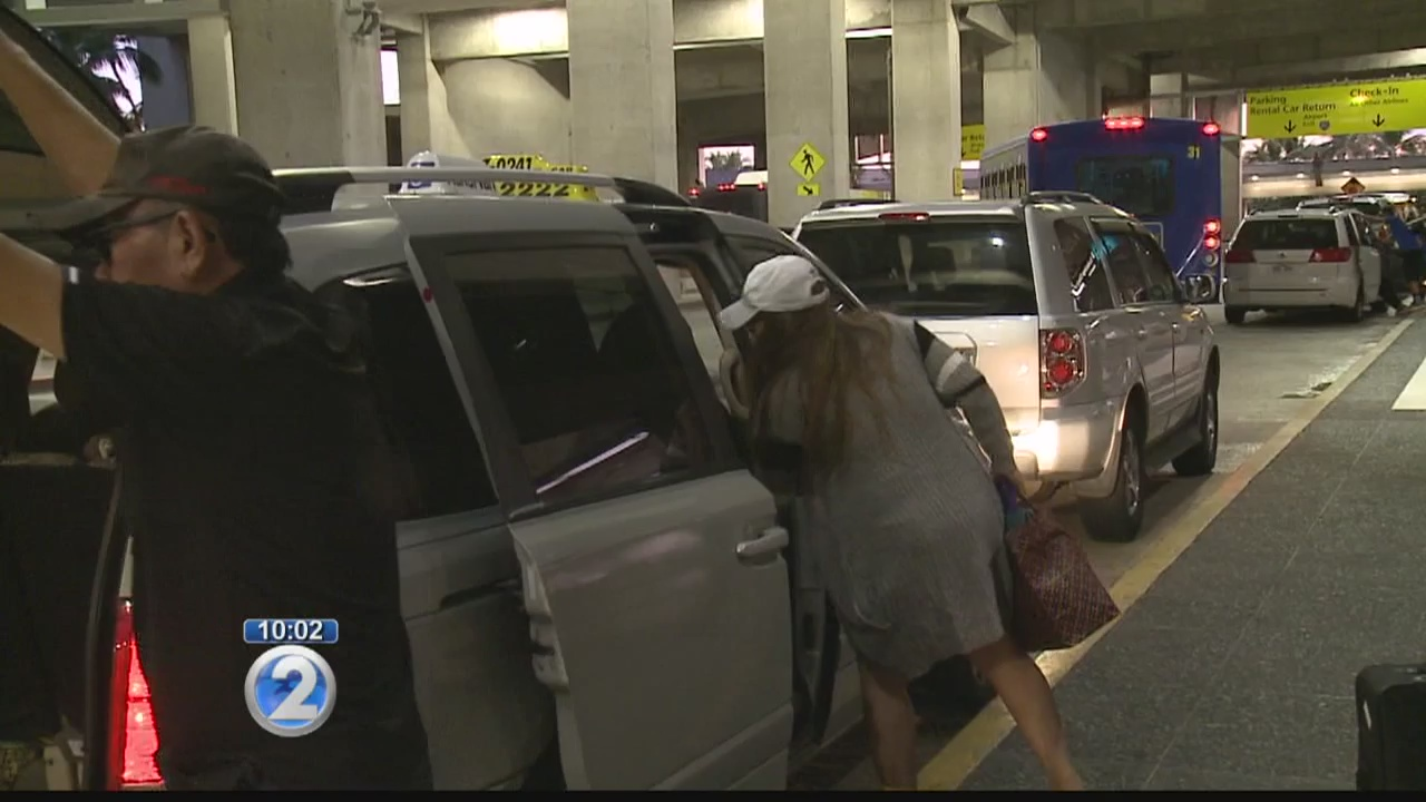 Taxi company adjusts to new Uber and Lyft competition at Honolulu airport