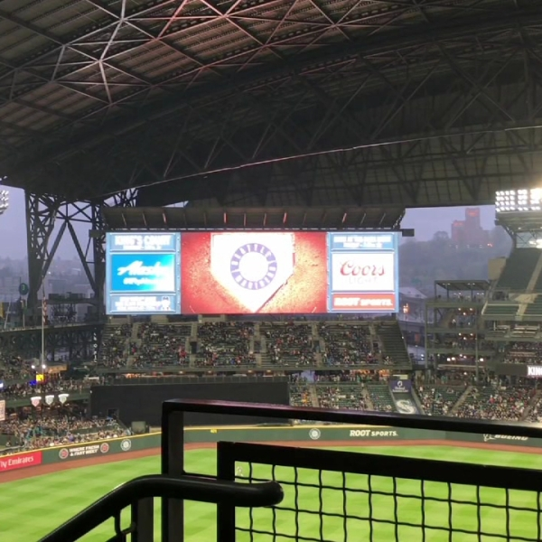seattle mariners game at safeco field