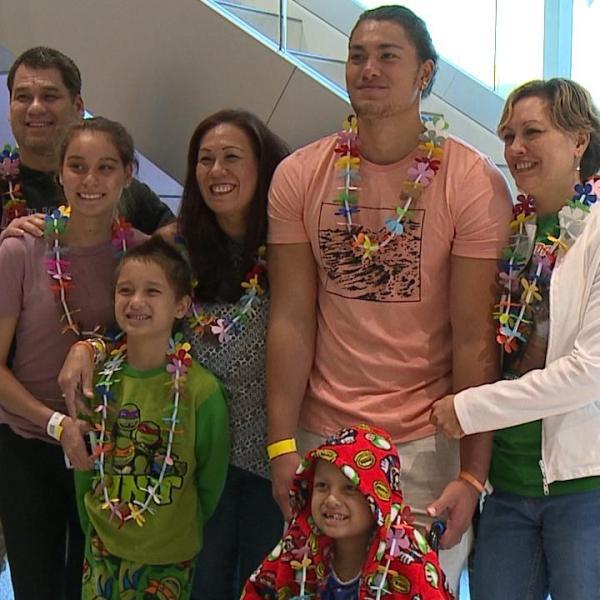 Former Punahou QB returns the aloha as Cover2 Life Matters Award honoree