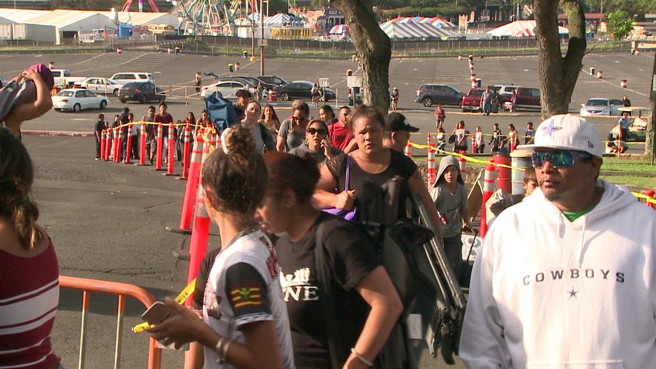 Aloha Stadium: Line for Bruno Mars tickets at capacity