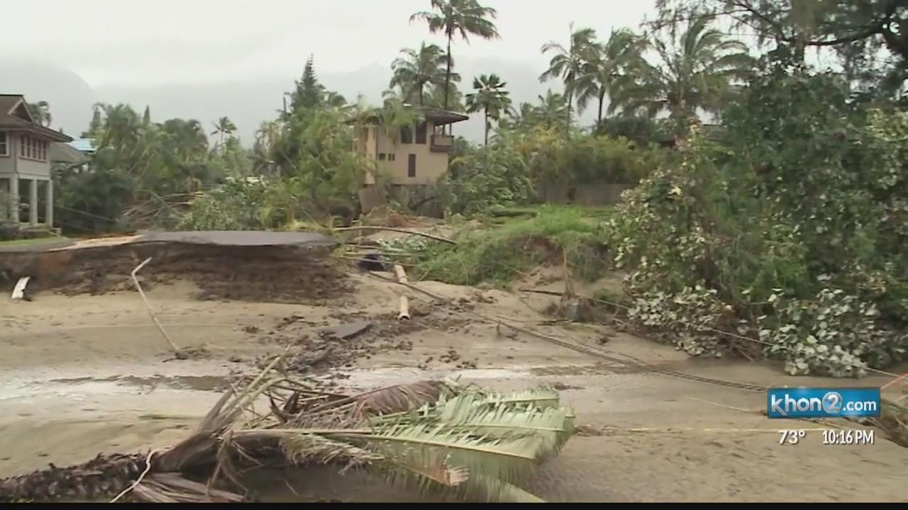 Kauai_and_Oahu_flood_damage_survivors_ma_0_20180515082908