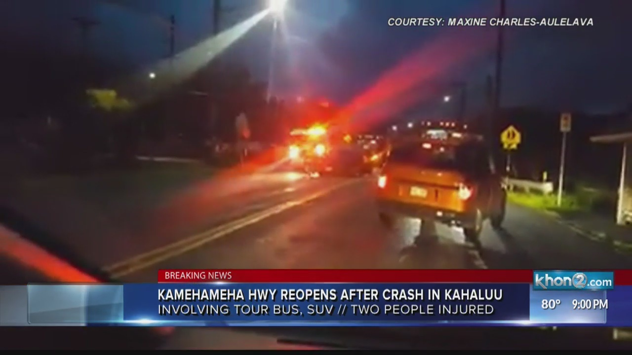 Woman, 10-year-old girl hospitalized after crash on Kamehameha Hwy