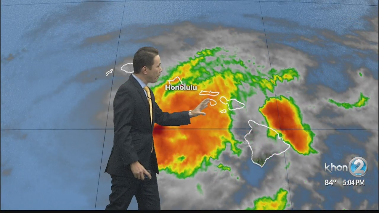 TS Lane accelerating away from Hawaii leaving heavy rainfall, flooding in its wake