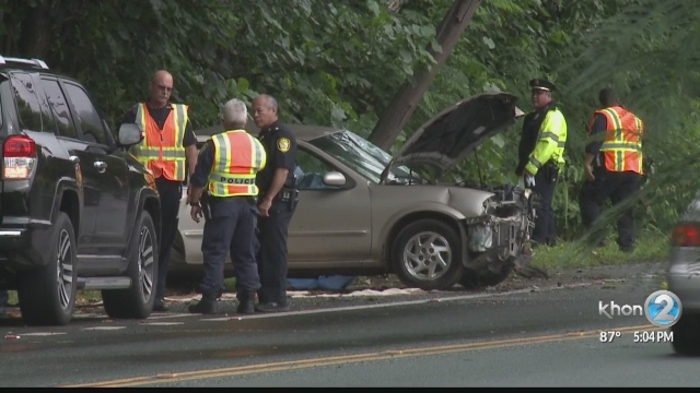 Police say speed, wet road likely factors in deadly Waikane