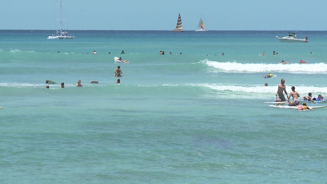 waikiki beach ocean generic_211041
