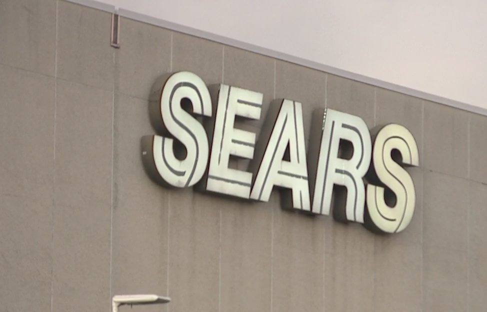 Sears trying to sell bulk of its Hawaii stores to stay in business