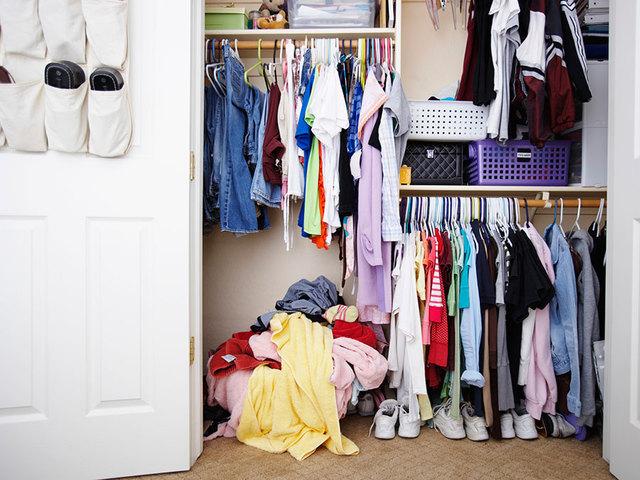 clutter-messy-closet_174288