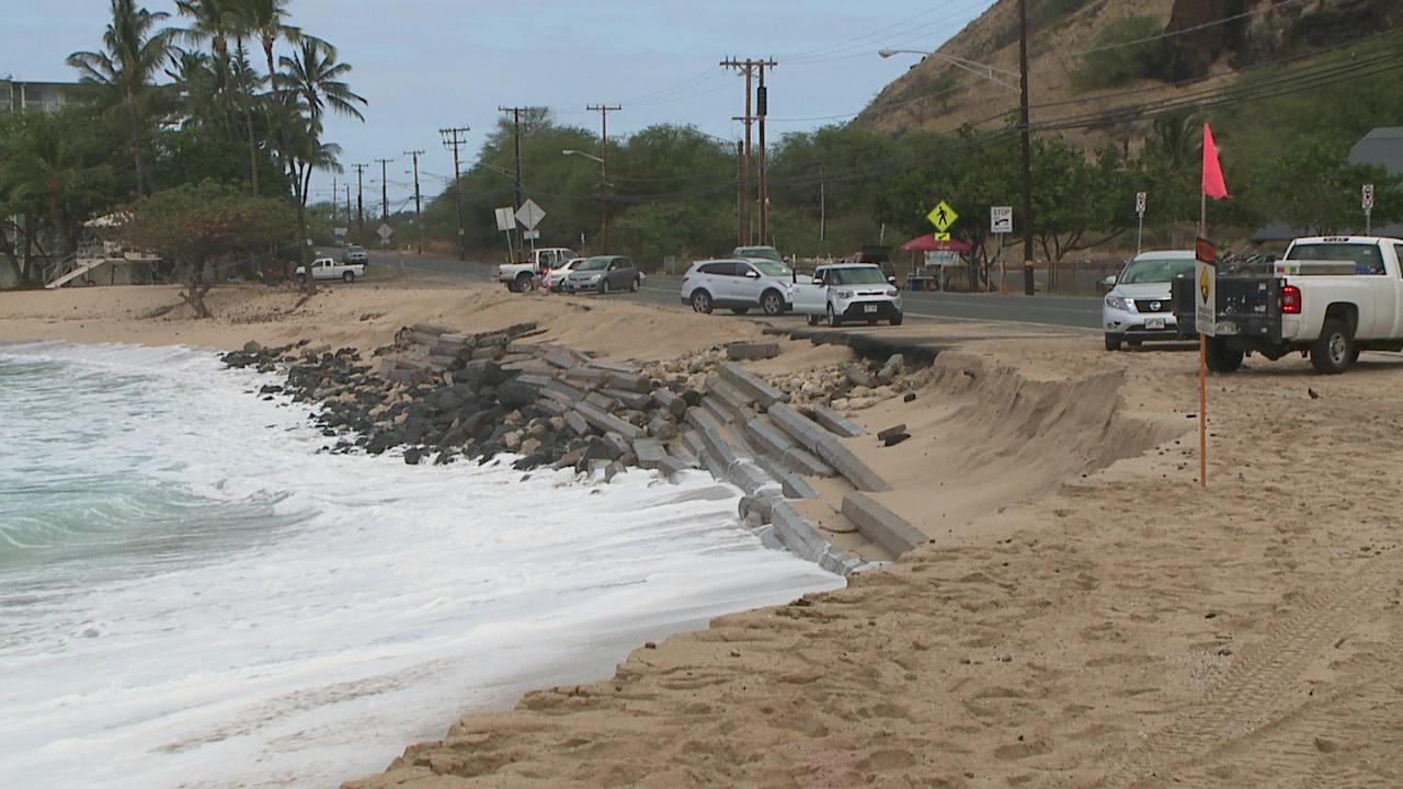 makaha beach erosion_145782