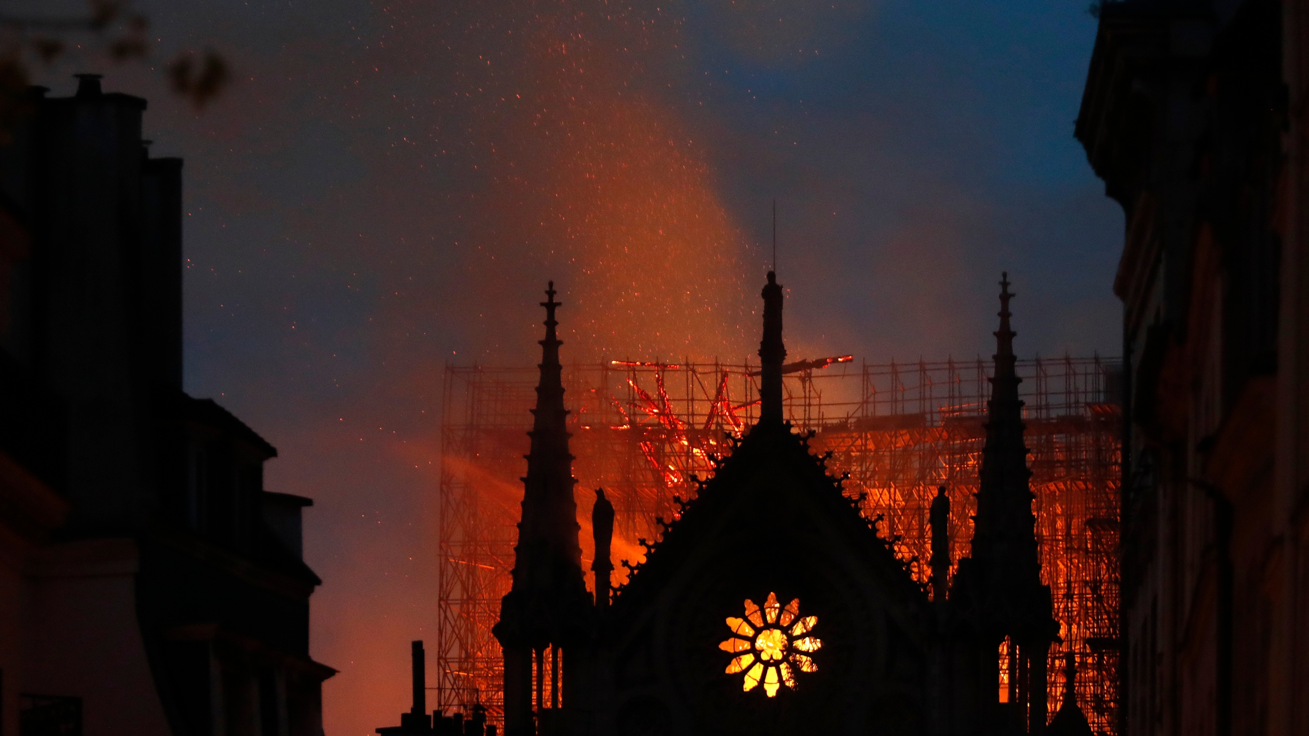 France Notre Dame Fire_1555359775944