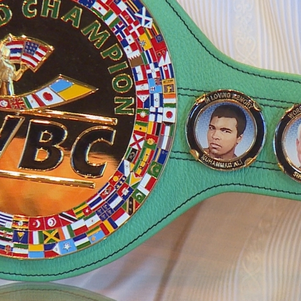 Mayor Caldwell declares North American Boxing Federation week, aims for pro fights in Hawaii
