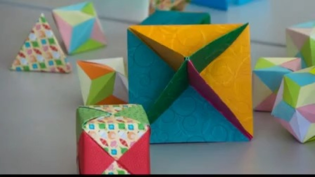 How to Create Stylish Wall Art With Origami Quilts | 720x1280