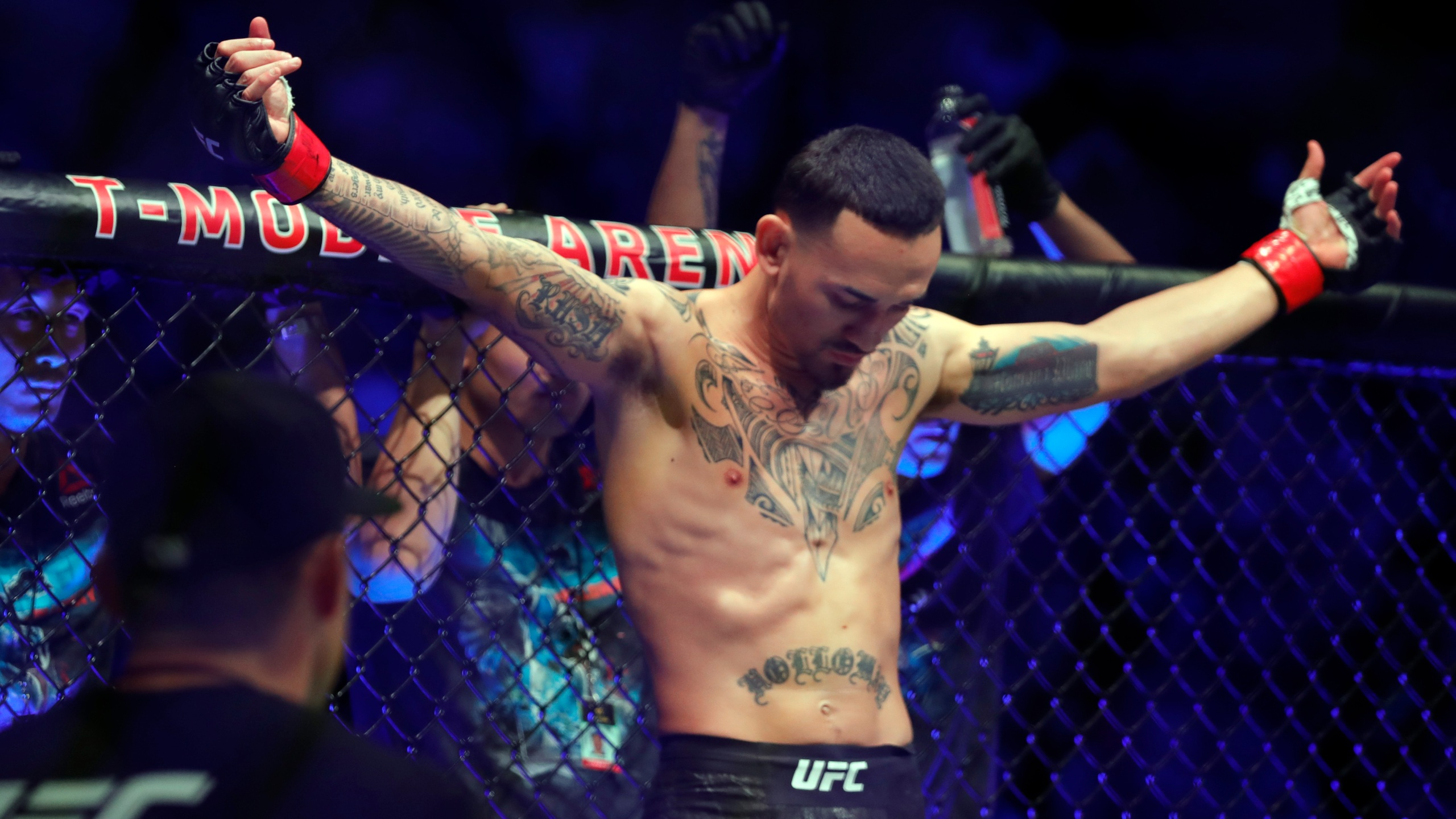 As He Leaves For Fight Island Max Holloway Is Ready For Redemption At Ufc 251 Khon2