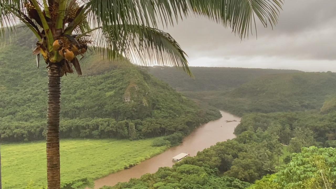 Flooding on Kauai prompts Hanalei Bridge closure