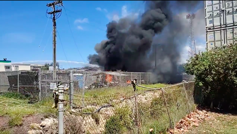 Cause of shipping container fire in Kapolei under investigation